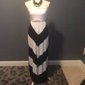 Fab'rik strapless black/white chevron maxi
